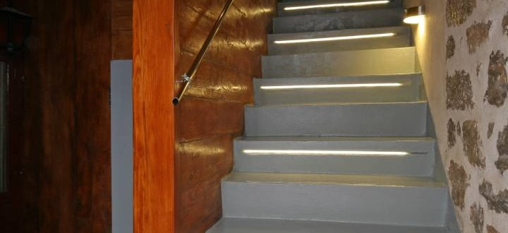 Mastoris Mansion stairs to 1st floor